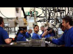 Un mercado laboral de ricos y pobres: el trabajador 'medio' está desapar...