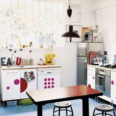 Decoración de Cocinas con Vinilos - Para Más Información Ingresa en: http://fotosdecasasbonitas.com/decoracion-de-cocinas-con-vinilos/