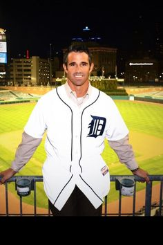 New Manager - Brad Ausmus of the Detroit Tigers - 2014. Hot dayum!!