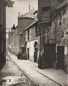 Thomas Annan. Close No. 139 Saltmarket. 1868