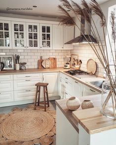 Indian Home Decor How To Decorate A Kitchen On Budget.Indian Home Decor How To Decorate A Kitchen On Budget Kitchen Room Design, Home Decor Kitchen, Interior Design Kitchen, Country Kitchen, New Kitchen, Home Kitchens, Boho Kitchen, Kitchen Ideas, Neutral Kitchen Designs