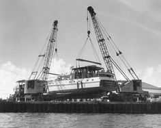 Harrison Crane Lifting Feadship 1950's