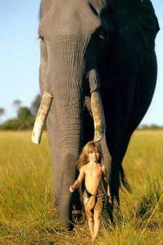 criada con animales salvajes