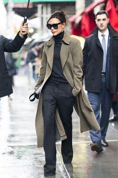 Victoria Beckham, David Beckham, Romeo Beckham, Cruz Beckham and Harper Beckham departing from Balthazar after her fashion during New York Fashion Week - Herren- und Damenmode - Kleidung Fashion Mode, Fall Fashion Outfits, Mode Outfits, New York Fashion, Look Fashion, Winter Outfits, Winter Fashion, Womens Fashion, Fashion Trends