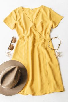 Trendy & affordable women's boutique shopping at The Copper Closet. Long Sleeve Flowy Dresses, Thanksgiving Outfit Women, Online Shopping Clothes, Shopping Shopping, Flat Lay Inspiration, Dress Flats, Flatlay Styling, Blush Dresses, Striped Fabrics