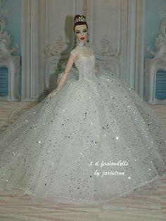 T.D.FASHIONS DOLL TO FASHION ROYALTY/Silkstone Doll