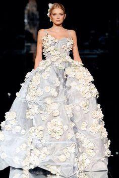 Dolce & Gabbana 2009 gown that is still amazing!