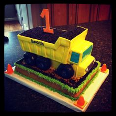 Dump truck cake for handsome Heath Construction Birthday Parties, Construction Party, Baby Boy Birthday, 3rd Birthday, Birthday Cakes, Birthday Ideas, Graduation Cake Designs, Dump Truck Cakes, Benne