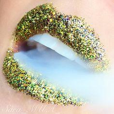 ✴Glitter lips ✨ Beautiful Lips, Gorgeous Makeup, Awesome Makeup, Lipstick Colors, Lip Colors, Lip Makeup, Makeup Cosmetics, Good Kisser, Nice Lips