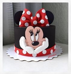 Bolo Da Minnie Mouse, Mickey And Minnie Cake, Bolo Mickey, Mickey Cakes, Mini Mouse Birthday Cake, Mickey Mouse Birthday Cake, Birthday Cake Girls, Birthday Kids, Cake Unicornio