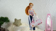 Accessoires Barbie, Crochet, Lily, Sports, Old Clothes, Tuto Sac, Duffel Bag, Large Bags, Bobbin Lace