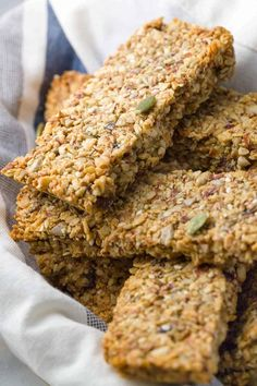 Baked Paleo Energy Bars - This recipe has a mixture of ground nuts, seeds, and a touch of maple syrup for a healthy portable snack bar on the go! Healthy Vegan Snacks, High Protein Snacks, Healthy Breakfasts, Eating Healthy, Protein Bars, Healthy Bars, Nutrition Education, Child Nutrition, After School