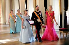 Dronning Sonja med Queen Josephine's diamond tiara. Gallamiddag for Nederlands Dronning Beatrix
