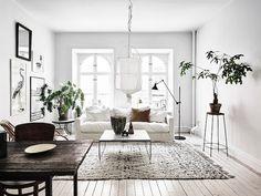 White living – Wer wie ich den klassischen skandinavischen Wohnstil liebt, kann sich die Farbe Weiß nicht aus der Einrichtung wegdenken. Aber auch bei sonstigen Einrichtungsstilen ist Weiß allzeit beliebt. Warum auch nicht? –  Weiß ist einfach ein Alleskönner und geht immer. Als perfekte Grundlage, lässt sich Weiß mit jeder nur erdenklichen Farbe kombinieren und lässt dazu jeden Raum heller, sauberer und weitläufiger aussehen.