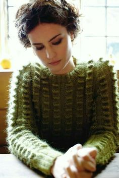 Wilderness with a reversed tuck stitch! Pattern by Martin Storey from Pioneer (Rowan), knit by Dayana Knits. Knitwear Fashion, Knit Fashion, Laine Rowan, Stitch Patterns, Knitting Patterns, Mode Pop, Handgestrickte Pullover, Mode Inspiration, Fashion Inspiration