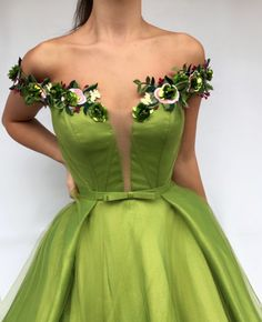 Parisan Magenta TMD Gown Details – Green color – Tulle and Taft fabric – Handmade embroidered flowers – Ball-gown style – Party and Evening dress Ball Dresses, Ball Gowns, Prom Dresses, Formal Dresses, Beautiful Gowns, Beautiful Outfits, Elegant Dresses, Pretty Dresses, Couture Dresses