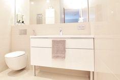 Vaalean kylpyhuoneen laatat Abl-Laatat #beige #lämmin #vaalea #kylpyhuone #vessa #abl #abllaatat #laatat