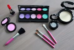 For Your Munchkins Pretend Makeup Set is high quality play makeup. It looks as real as mommys but without the mess. Yes, this makeup is not real