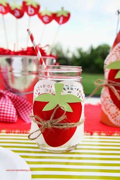 The cutest strawberry themed birthday party ever! A post full of adorable decor ideas and delicious food. Picnic Birthday, 1st Birthday Parties, Birthday Party Decorations, Happy Birthday, Birthday Ideas, Strawberry Shortcake Birthday, Cute Strawberry, Strawberry Decorations, Baby Party