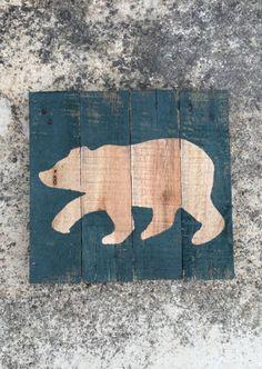 #Baylor bear sign on reclaimed wood pallet