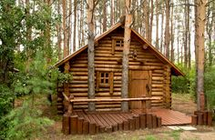 I could totally make this my first log house project :) Wooden House Design, Cabins And Cottages, Log Cabins, Wood Architecture, Small Living, Log Homes, Imperium, Tiny House, Wood Cabins