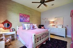 Some useful tips for decorating a beautiful teen girl room