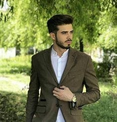 Men's Brown Wool Blend Tailored Slim Fit Blazer  #antoniogatti #menscoat #mensblazers #mensjacket  #brownblazer #casualstyle #layering #mensclothing Brown Blazer, Blazers For Men, Smart Casual, Layering, Wool Blend, Barbie, Suit Jacket, Slim, Shopping