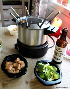 Ugolinon Seikkailut: OLUTFONDUE Barware, Beer, Root Beer, Ale, Bar Accessories, Glas
