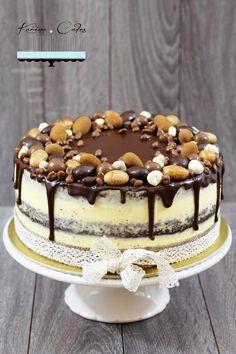 Maková torta s čokoládovou polevou Czech Desserts, Baking Recipes, Dessert Recipes, Raw Cheesecake, Czech Recipes, Cake & Co, Crazy Cakes, Birthday Cake Girls, Drip Cakes