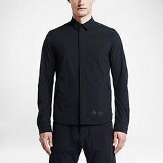 Nike-ACG-tech-shirt-Bnwt-us-small-Black 89€