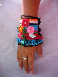 Örgü Bileklik Modelleri 46 Freeform Crochet, Bead Crochet, Cute Crochet, Crochet Bracelet, Crochet Earrings, Beaded Braclets, Bracelets, Crochet Collar, Summer Knitting