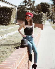 Why Editorial Fashion Photography is Such a Great Thing – PhotoTakes Outfits With Hats, Casual Outfits, Cute Outfits, Fashion Outfits, Jean Outfits, Fashion Trends, Grunge Tattoo, Photography Poses, Fashion Photography