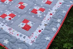 Red and Grey - Stars Baby Quilt