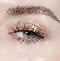 19 Gorgeous Glitter Makeup Ideas | how to wear glitter like an instagram star | @katiejanehughes