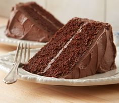 This old-fashioned chocolate cake never goes out of style. Use a HERSHEY'S Unsweetened Chocolate Baking Bar to make a moist and sweet dessert. Hershey Chocolate Cakes, Cocoa Cake, Chocolate Desserts, Old Fashioned Cake Recipe, Old Fashioned Chocolate Cake, Cupcake Recipes, Baking Recipes, Dessert Recipes, Baking Ideas