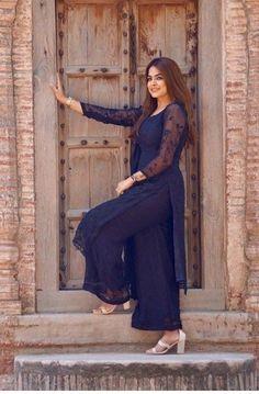 Best 12 Casual for home – Page 506232814364037121 – SkillOfKing. Simple Kurti Designs, Salwar Designs, Kurta Designs Women, Kurti Designs Party Wear, Saree Blouse Designs, New Designer Dresses, Indian Designer Suits, Simple Pakistani Dresses, Pakistani Dress Design