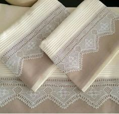 Resultado de imagem para modern çeyizlik nevresim Quilt Patterns, Crochet Patterns, Flat Ideas, Heirloom Sewing, French Decor, Bed Covers, Easy Diy Projects, Home Textile, Hand Towels
