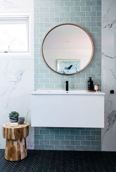 Home Interior Colour blue and marble tile bathroom + bathroom design + floating vanity + round bathroom mirror Interior Exterior, Home Interior, Bathroom Interior, Modern Bathroom, Minimalist Bathroom, Small Bathrooms, Small Bathtub, White Bathroom, Master Bathroom