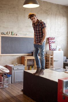 Jeans, boots and a lumberjack shirt. Always a good style! #mensstyle #streetstyle #urbanstyle #citylife #forhim #sporty #MensFashion #GentlemanStyle #menstyle #men #fashion #casual