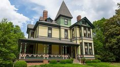 This incredible 1886-built, seven-bedroom, eight-bathroom manse has everything you could ask for in a Victorian.