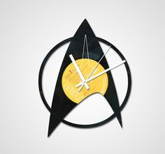Handmade Recycled Retro Record Clock Star Trek by iBurnThings Vinyl Record Crafts, Old Vinyl Records, Record Art, Vinyl Record Clock, Star Trek Theme, Star Wars, Vinyl Record Collection, Recording Studio Design, Fathers Day Crafts