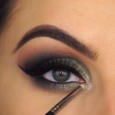 Eye Makeup tips 7 Rules You Must Know About Makeup! Dramatic Eye Makeup, Smoky Eye Makeup, Eye Makeup Steps, Makeup Eye Looks, Blue Makeup, Makeup For Brown Eyes, Eyebrow Makeup, Pretty Makeup, Eyeshadow Makeup