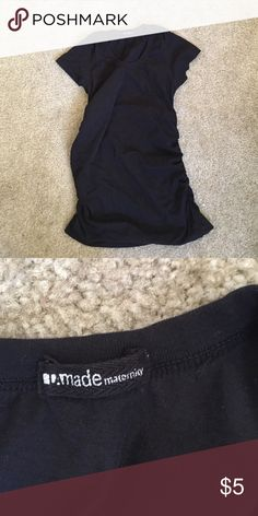 LA Made Maternity cinched side top size S Black LA Made maternity t-shirt, cinched on the sides and long enough to last all 40 weeks! Believe it was a size S but cut out the size tag. Worn for one pregnancy. la made Tops Tees - Short Sleeve