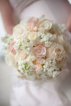 A wedding bouquet / Wedding things...