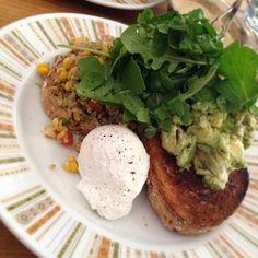 Mashed avocado Freekeh salads with poached egg and multi grains bread ...it becomes my favourite breakfast ❤️ #freekeh #grains #corn #tomatoes #feta #avocado #rocketleaves #organiccafe #organic #breakafast #melbournefood so yummy #Padgram