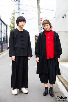 all black vintage style ... Takeru (left) & Consaki (right) - both students | 26 March 2017 | #couples #Fashion #Harajuku (原宿) #Shibuya (渋谷) #Tokyo (東京) #Japan (日本)