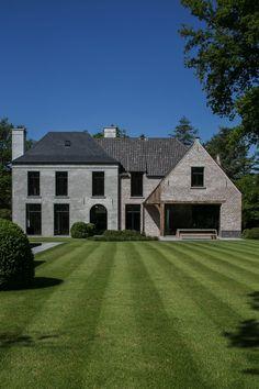 'D' Architectural Concepts - Project VM Schilde Facade Design, Exterior Design, Architecture Design, Brunswick House, Stucco Homes, Unique House Design, Mansions Homes, Dream House Exterior, House Windows