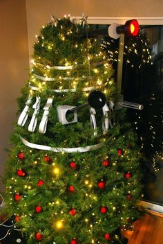 I could definitely see this in England…. lol Doctor Who humor Darlek Christmas tree…. I could definitely see this in England…. lol Doctor Who humor Christmas Tree Themes, Noel Christmas, Christmas Meme, Xmas Trees, Christmas Stuff, Christmas Candles, Christmas Images, Rustic Christmas, Christmas Stockings