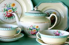 "Pretty up any kitchen with vintage dishes- Johnson Brothers, ""Windsor Ware"""