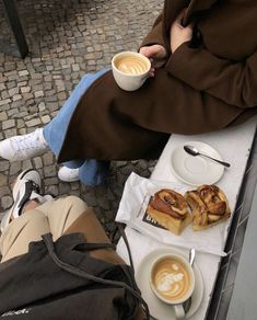 Aesthetic Coffee, Aesthetic Food, Coffee Cafe, Coffee Shop, Food N, Food And Drink, Beddinge, Coffee Photography, Coffee Is Life